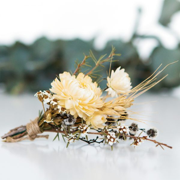 white dried flower arrangement
