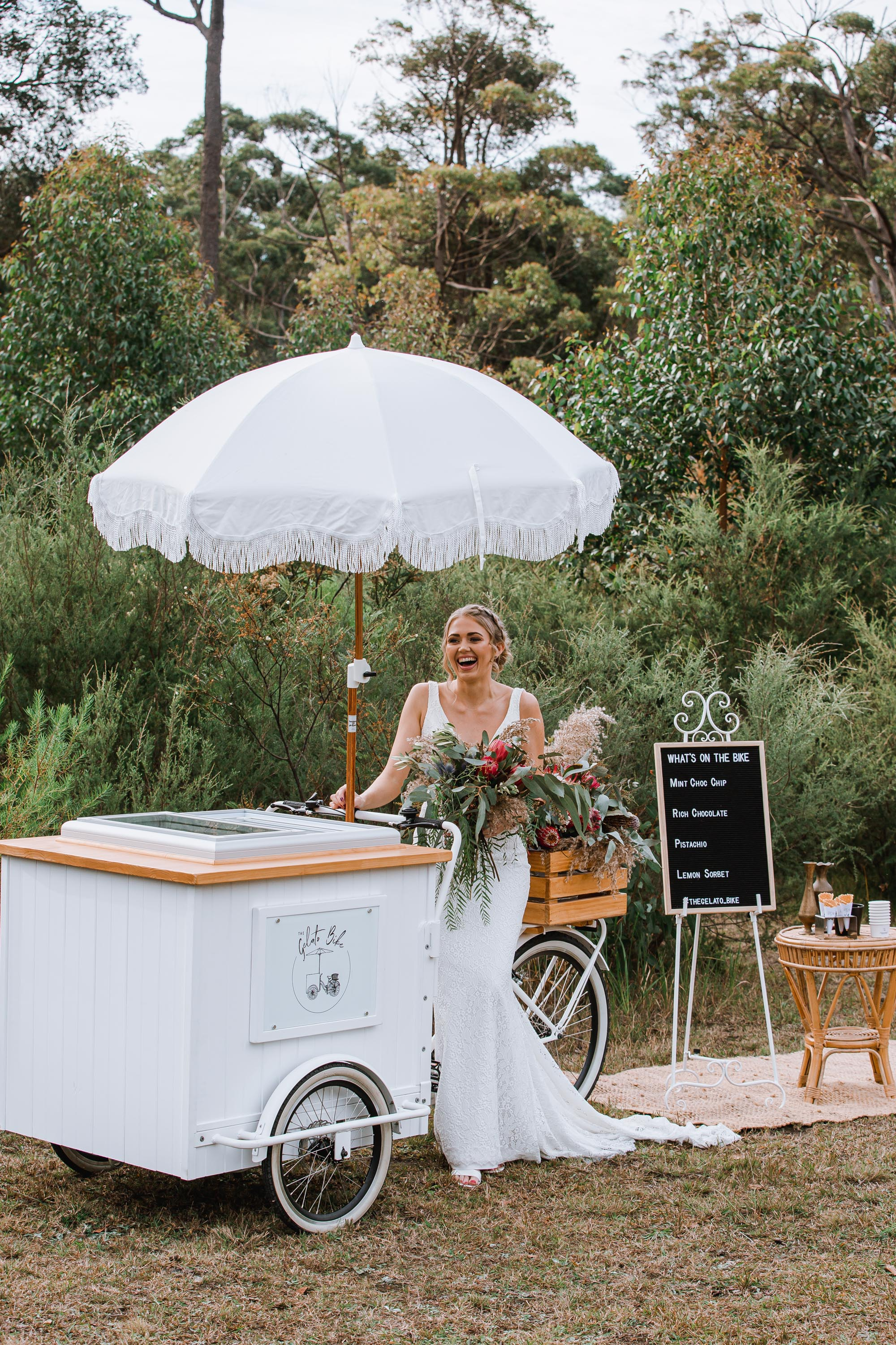 alternative food ideas for wedding mobile ice cream bike