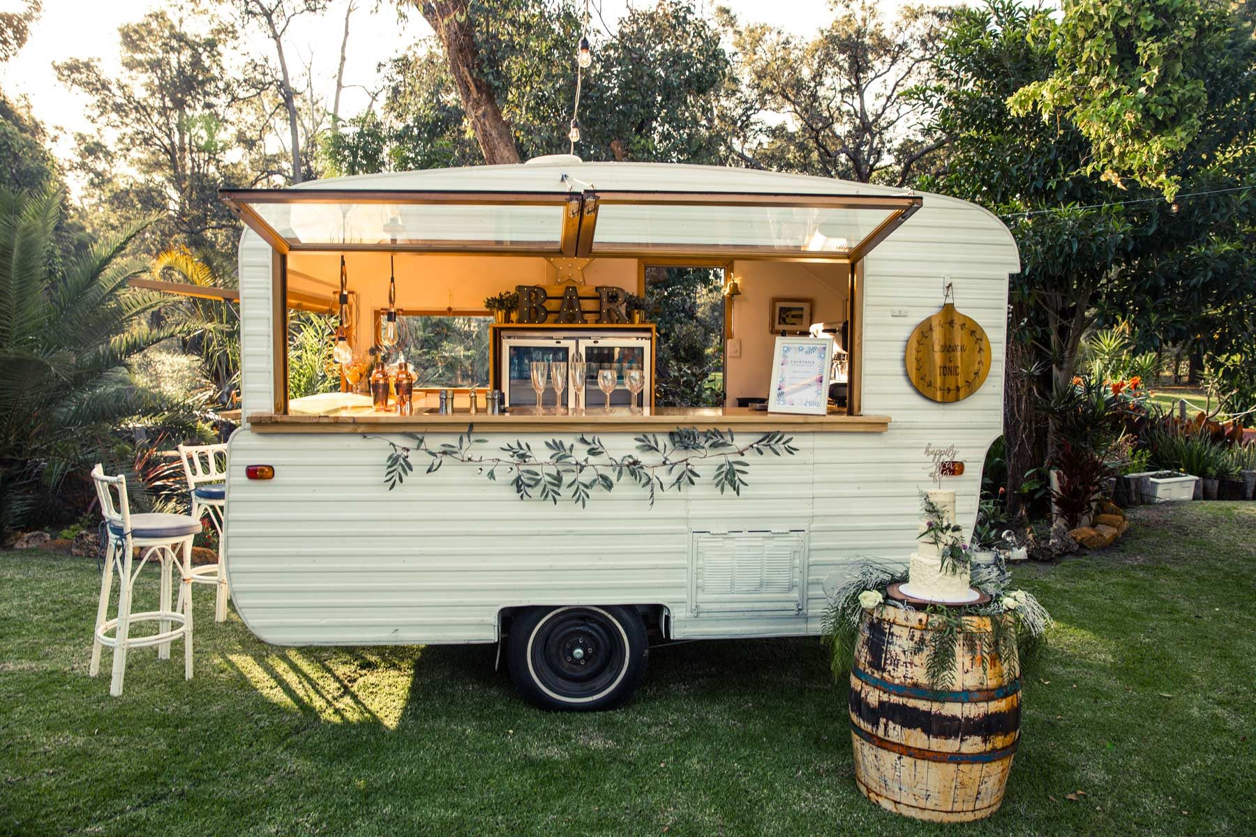 vintage caravan mobile bar for wedding