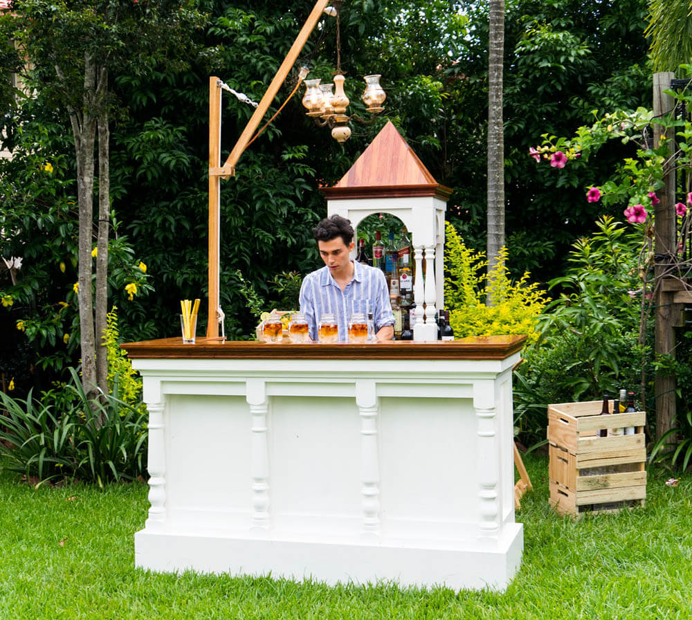 pop up mobile bar for wedding little rum runner