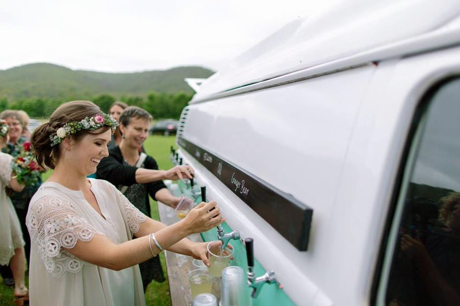 pop up mobile bar for wedding kombi keg