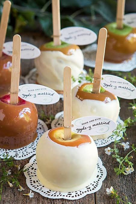 halloween toffee apples wedding favours