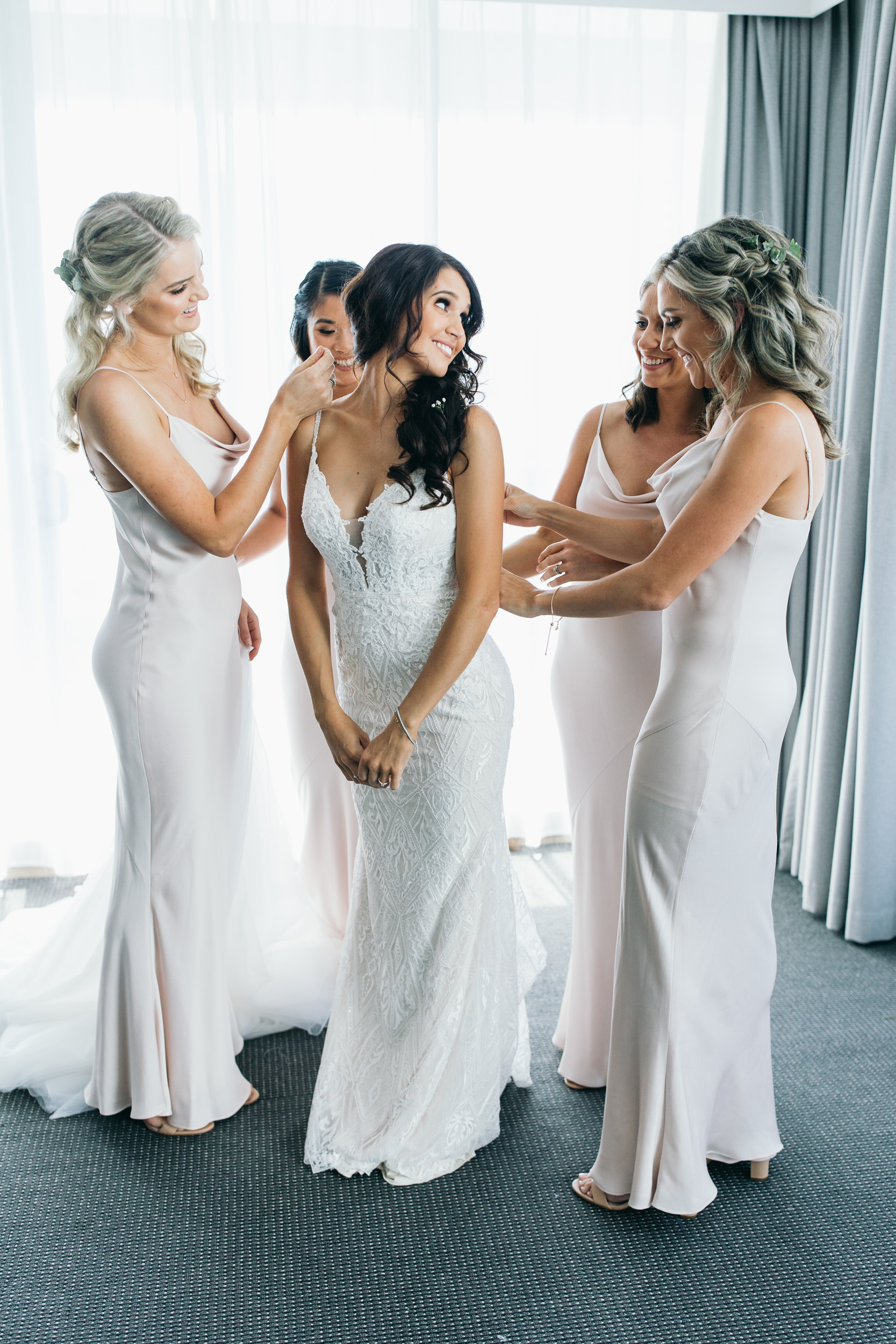 Bride wedding morning wedding dress bridesmaids