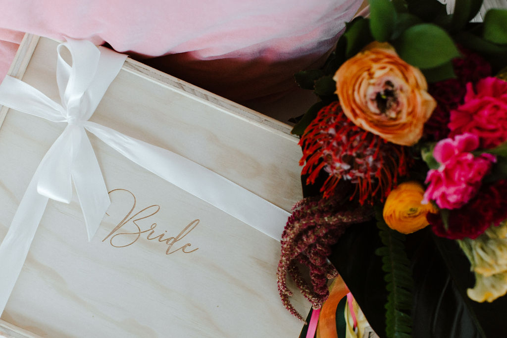 wedding gifts boxes tropical inspo