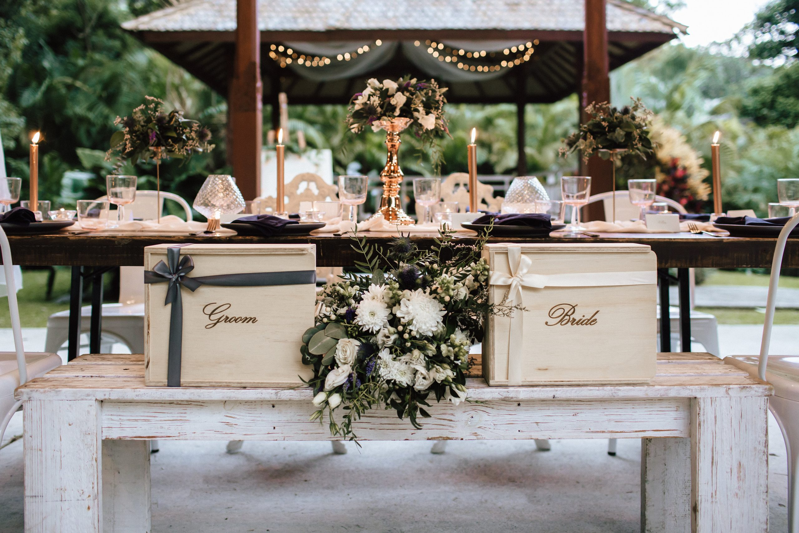 gift box wedding styling